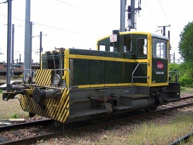 Un Y5123, en gare de Vierzon, imatriculé a la SNCF !