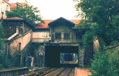 Ici la gare de la flèche, au debut des années 1990 .