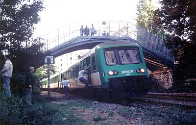 Un train affecté par le COPEF, en gare de menilmontant !
