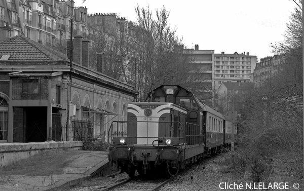 Voici une BB66000 de la SNCF, en gare de Vaugirad sur la petite ceinture (15è)