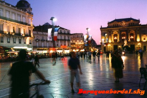 Montpellier , notre rêve. Un futur pour oublier un passé négligé. Une envie de nouveau départ vers l'inconnu de reconstruire une vie.. Une vie de famille entre mère & fille ♥