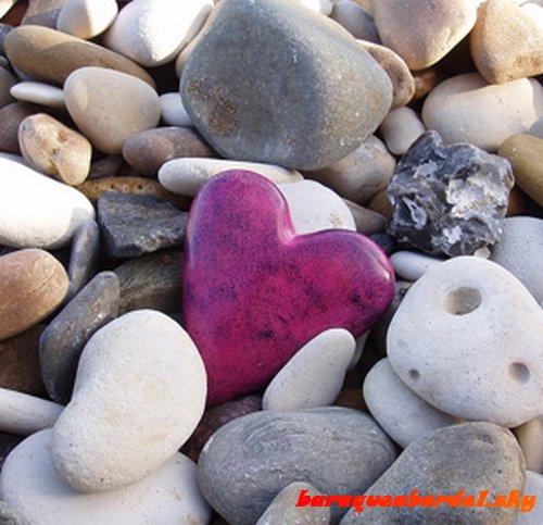 Pourquoi se cacher derrière un coeur de pierre ?