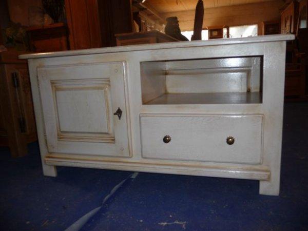 confiturier coffre meuble de salle de bain meubles tv et un meuble d 39 entree en peinture aux. Black Bedroom Furniture Sets. Home Design Ideas