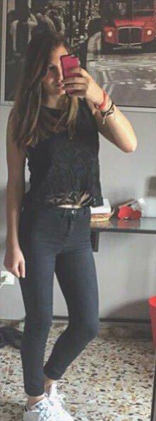 Selfie'sh girl :)