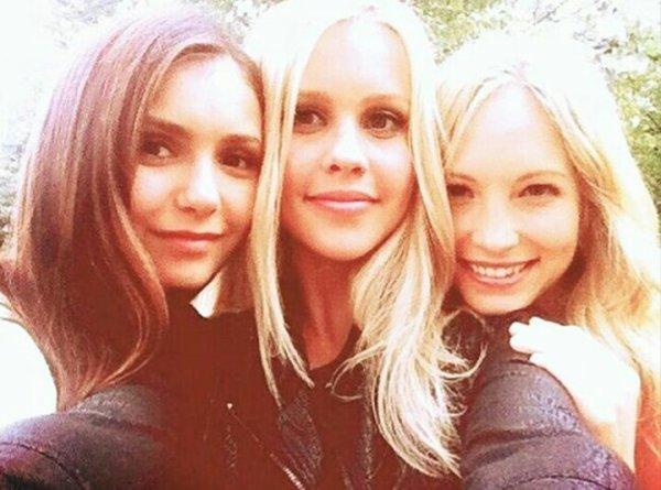 Caroline forbes et Elena Gilbert et rebekah mikaelson 💖