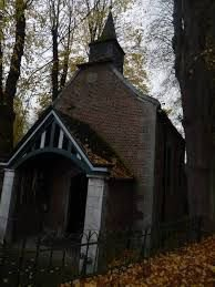 memere demaini ont ira bruller une bougie pour toi a chapelle notre dame des affligés wanfercée baulet