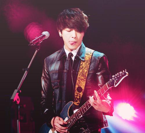 Yong Hwa [CN Blue]