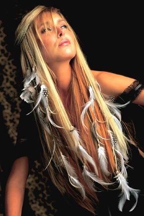 les extensions , les coiffures , les soins , conseil ... et tout ce qui touche a la beauté en général !!!!