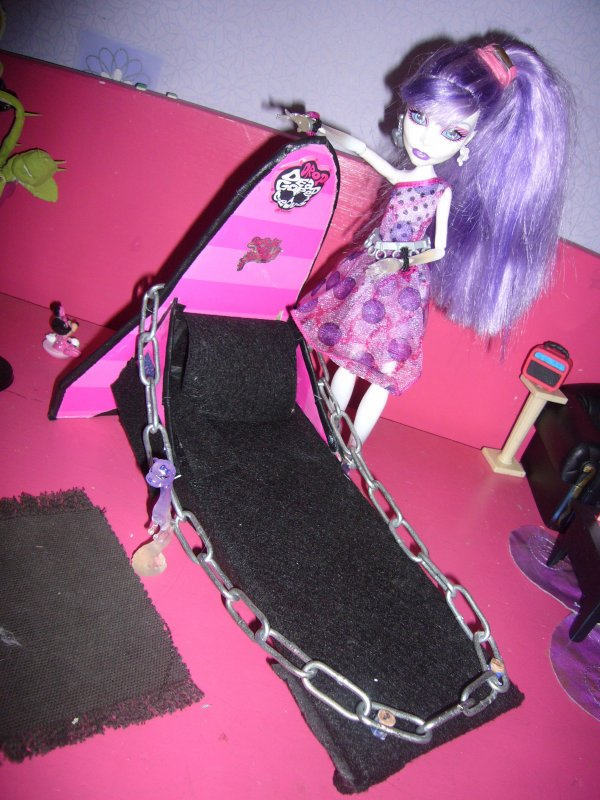 spectra lit n2 creation de meuble pour monster high. Black Bedroom Furniture Sets. Home Design Ideas