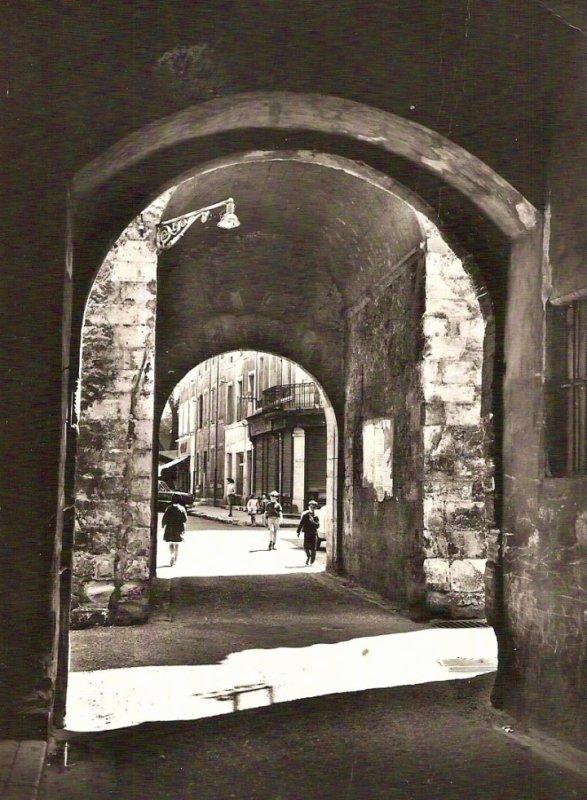 la porte de Mauves