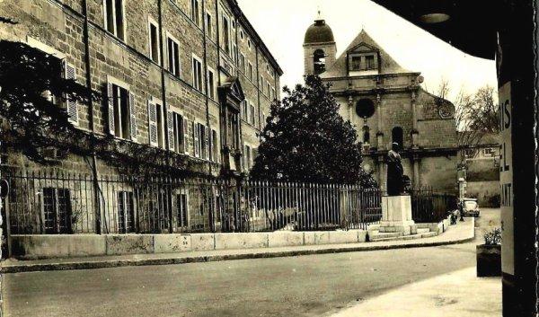 Le Lycée de Garçons