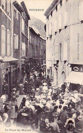 Grande rue un jour de marché