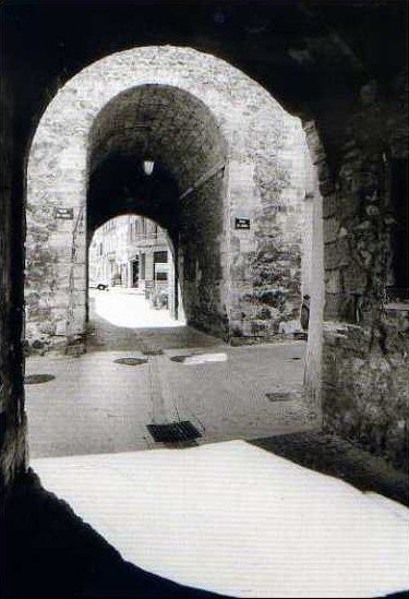 portes de Mauves