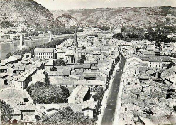 vue sur la ville de Tournon