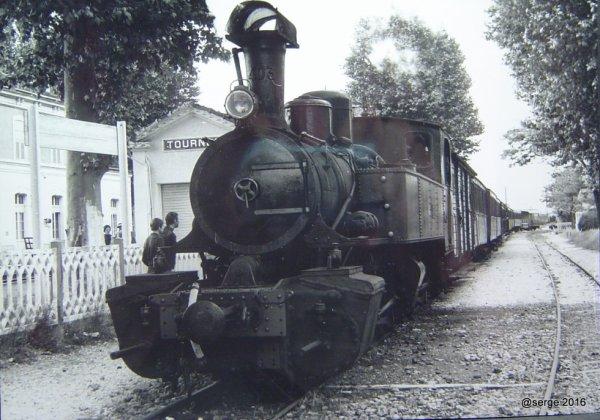 Locomotive en gare de Tournon