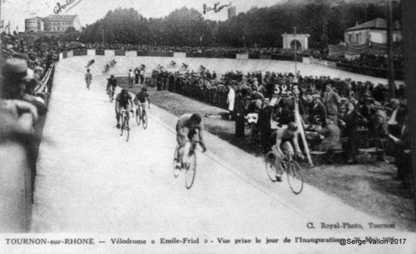 Le vélodrome de la ville