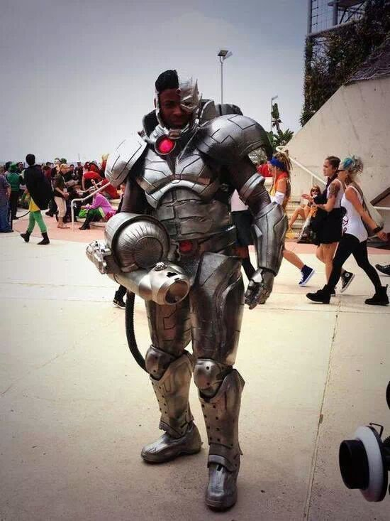 Cosplay Cyborg