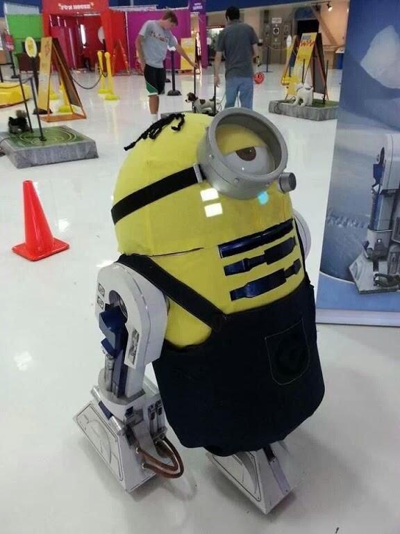 Cosplay R2-D2 en Minion