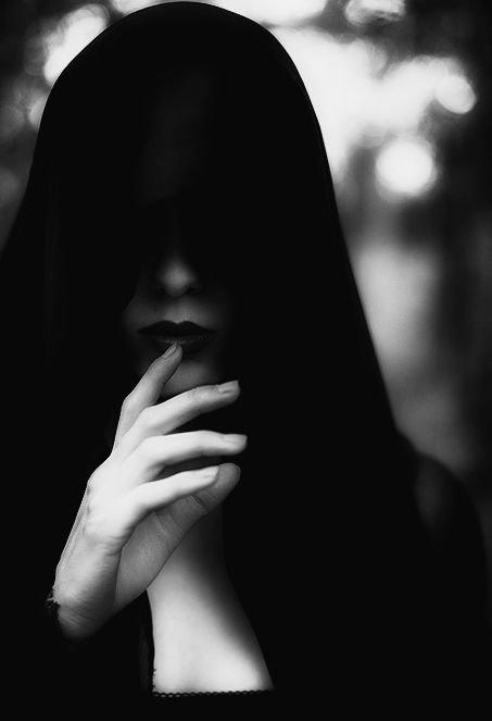 «Celui qui ne comprend pas ton silence n'arrivera jamais à comprendre tes mots»  (Sam Ya)