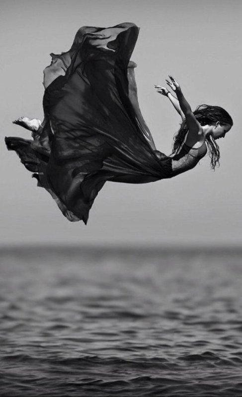 « Âmes par âmes j'ai poursuivi mon amour, jour après jour au fond de moi-même, non comme les notes d'une mélodie sans suite, mais comme les mesures d'un infini sans mesure » (Antonin Artaud )