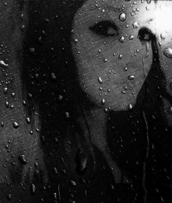 Son regard était un livre ouvert sur son âme.....