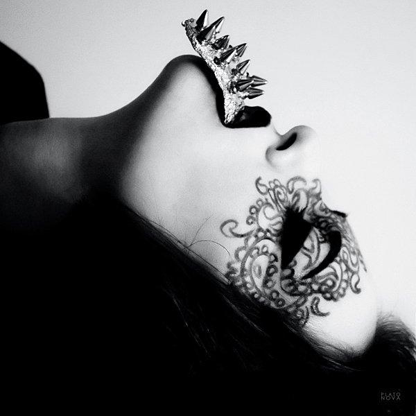 Si tu ne sais pas de quoi tu parles avises toi de laissez ta langue dans ta bouche ou ta plume dans son écrin....(Moi)