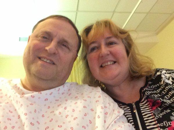 Opération de la corde vocale gauche de mon mari à Hôpital Saint-Pierre par le professeur Chantrain le mardi 04/11/14