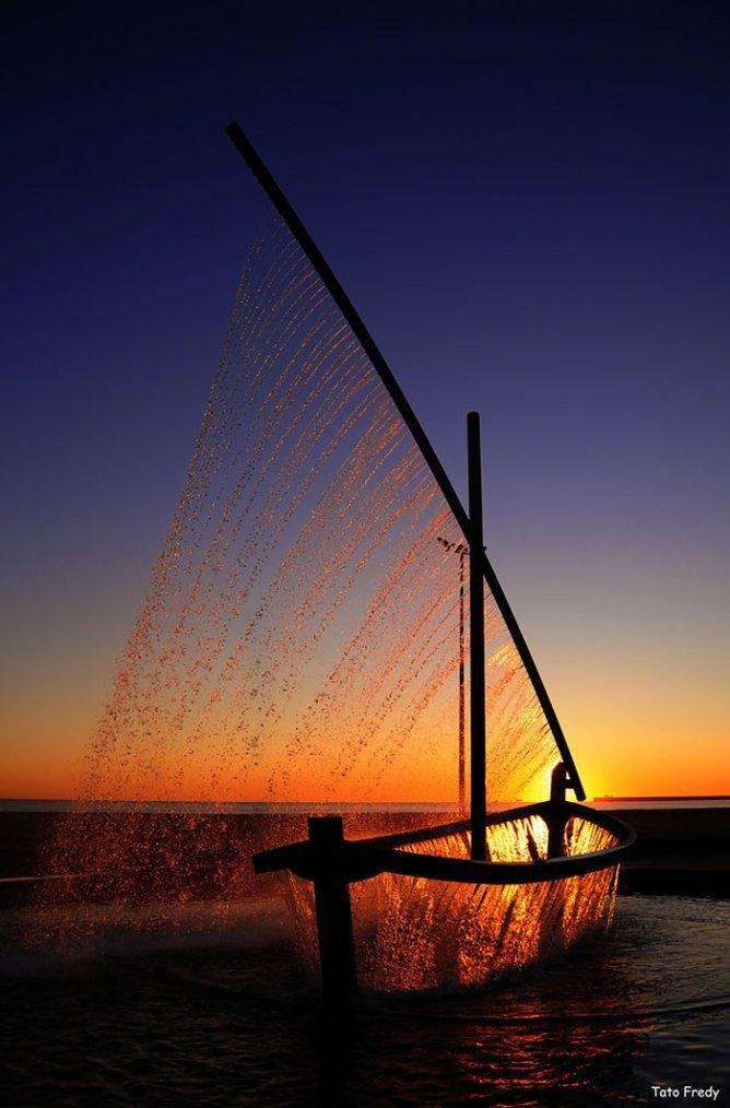 Le bateau Fontaine Situé à Valence en Espagne