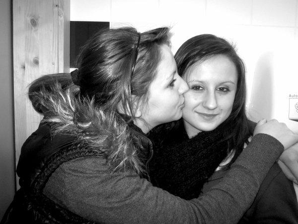 Ma meilleur amie, une personne exeptionnelle, qui me comprends, qui rigole, qui pleure et qui me fait confiance ; a moi