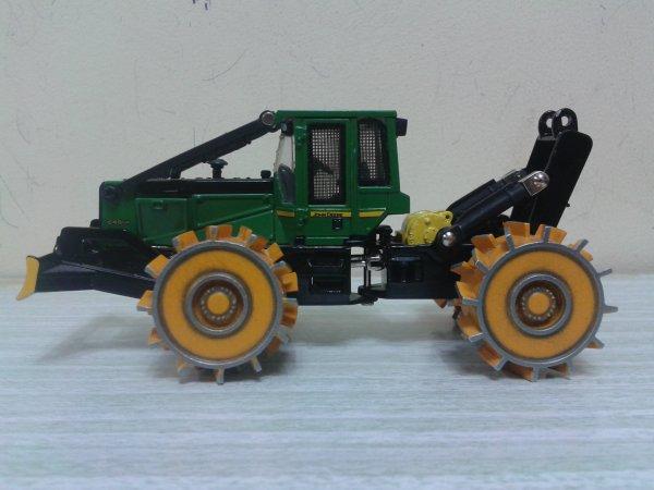 58 – Skidder à grappin John Deere 648GIII avec roues tamping Volvo L160 de Joal par ERTL