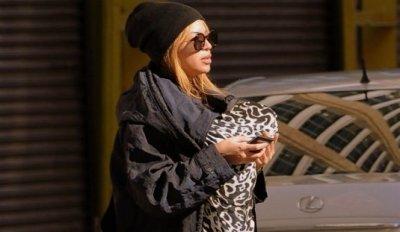 Photos : Beyoncé promène sa petite Blue Ivy