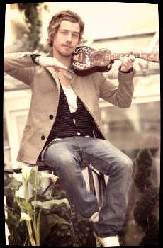 Notre ukuleliste remporte la nouvelle star