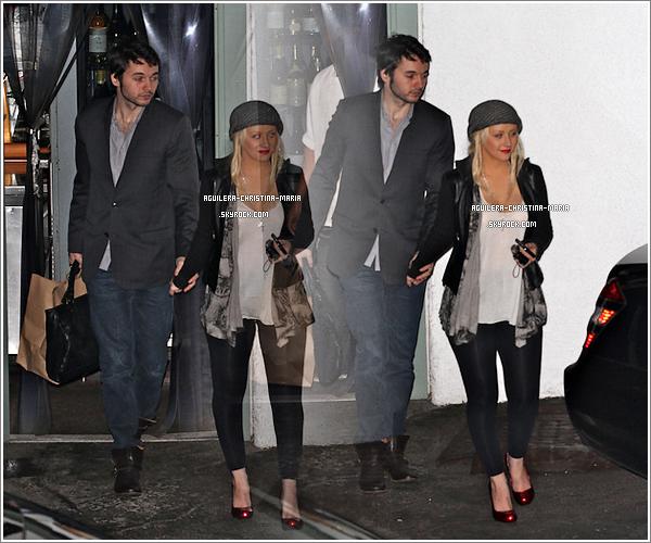 Christina et Matt quittant le restaurant Giorgio Baldi.