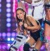 Ariana Grande : Après l'incident du défilé Victoria's Secret elle devient la risée du net !!