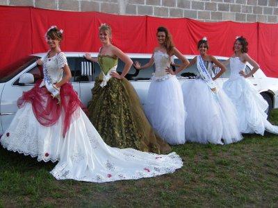 Défilé de mode avec les miss à Fontaine