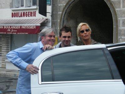 2 stars de plus belle la vie en limousine avec nat limousine