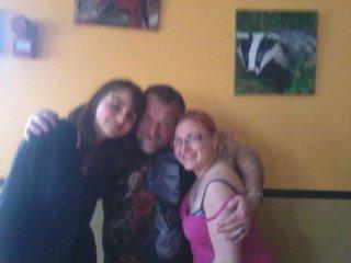 Moi avec ma petite couz Alexandra et mon père