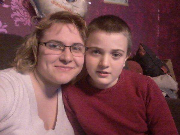 Mon petit frere thomas et moi