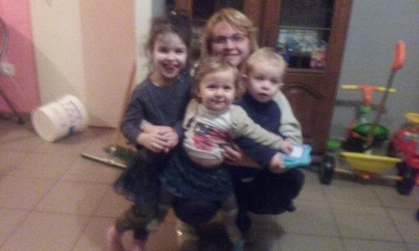 Ma filleule,ma nièce,mon neveu et moi