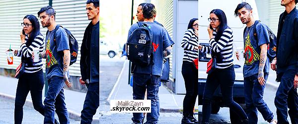 31/05/2017 ▬ Le beau pakistanais Zayn Malik a de nouveau été photographié à New York City mais seul cette fois-ci. Notre beau petit chanteur semblait être pressé ce jour-là mais il a prit soin de sa tenue qui est au top.Et toi ? top ou flop pour toi?