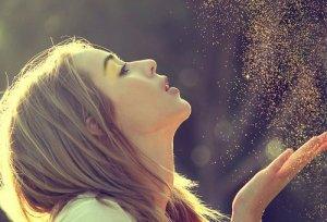 Il aimait la mort, elle aimait la vie, il vivait pour elle, et elle est morte pour lui.