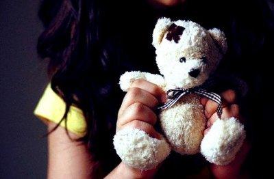 Nous blessons ceux qui nous aiment et aimons ceux qui nous blessent ...