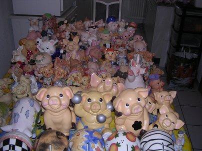 au pays des banques une jolie collection de cochons  tirelire