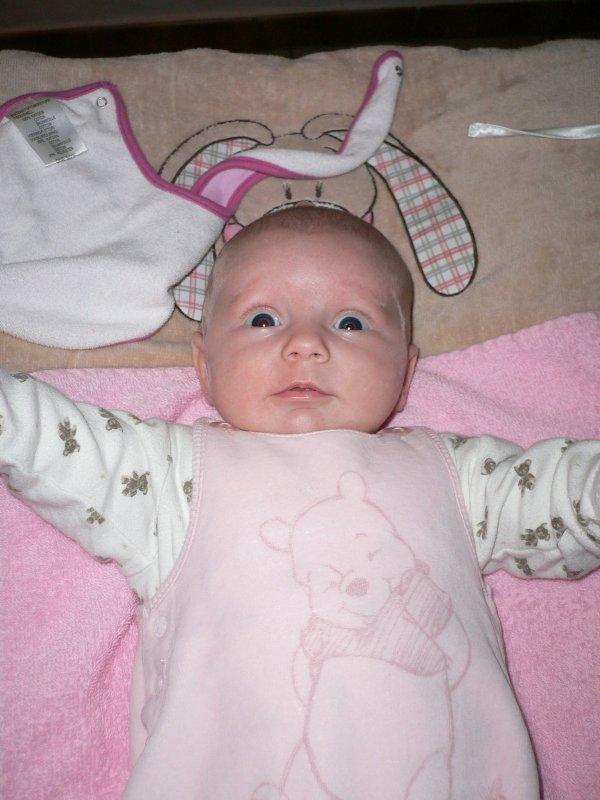 Ma tite poupée qui fait ses grands yeux
