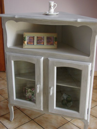 Petit meuble en coin la renovation de meubles sans le for Petit meuble de salon