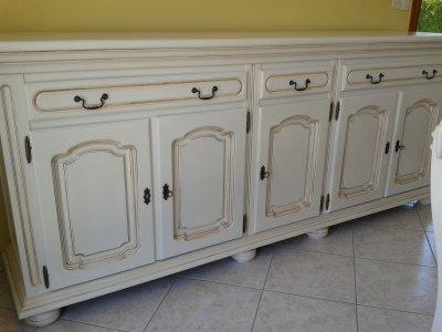 Une salle a manger la renovation de meubles sans le decapage - Peinture meuble sans decapage ...
