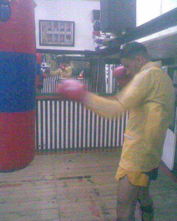 salah   kick   2010/11/18
