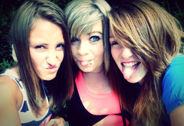 Justine moi & mary ! :P