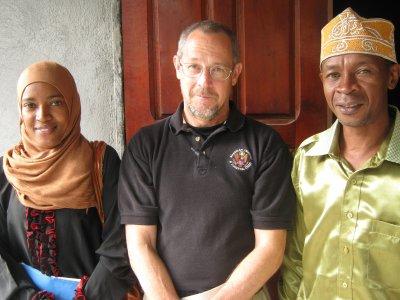 R F T: Projet Auto assistance : visite de l'Ambassade à Tsinimoichongo