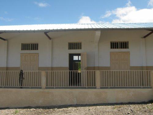 Tsinimoichongo : Deux salles de classes construites par le pasec  pour le primaire